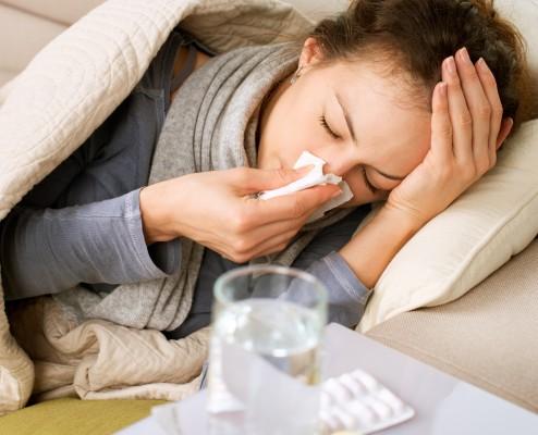 Žena s chřipkou/ilustrační foto