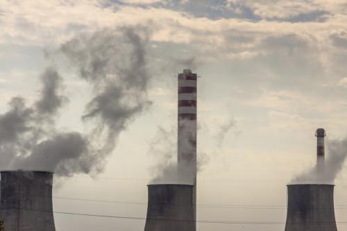 Továrna spalující uhlí/ilustrační foto