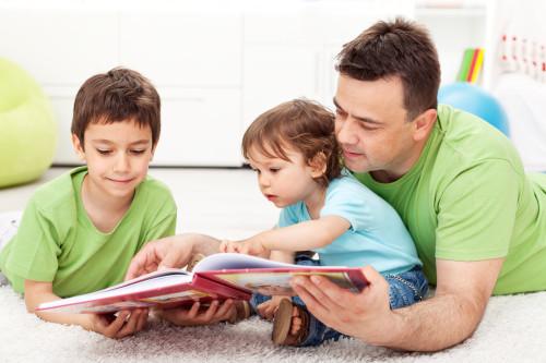 Čtení dětem/ilustrační foto